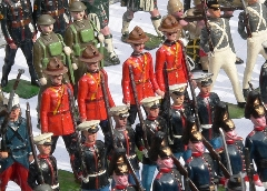 Portobello Market Tin Soldiers by Gerald Petersen (cc)