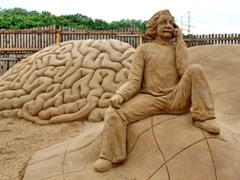 travemnde_sandworld_057_einstein_240.jpg